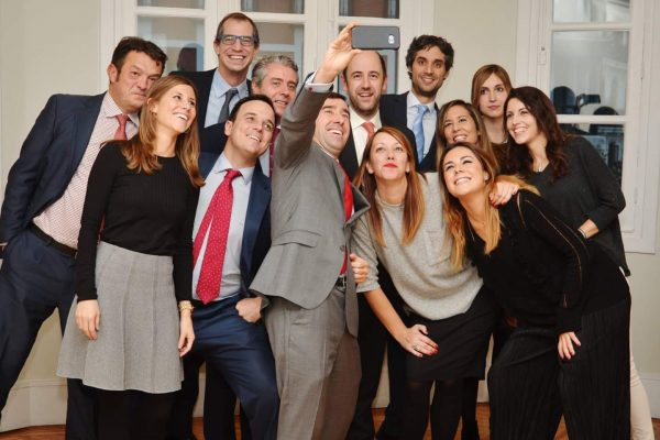 selfie equipo Like Abogados Madrid